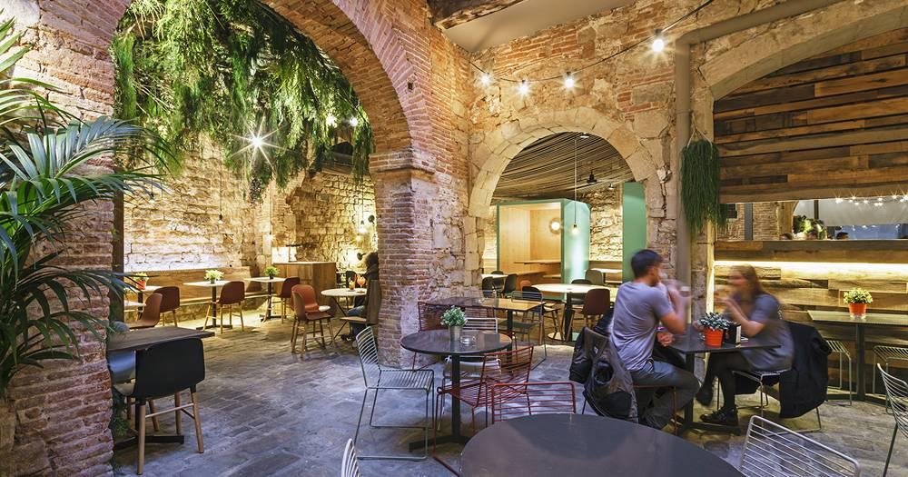 Самые красивые патио в ресторанах Барселоне
