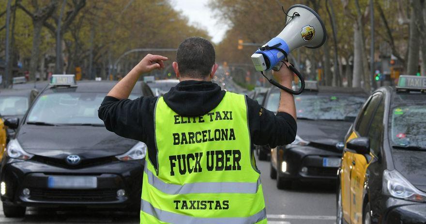 В Барселоне продолжается противостояние Uber и гильдии такси