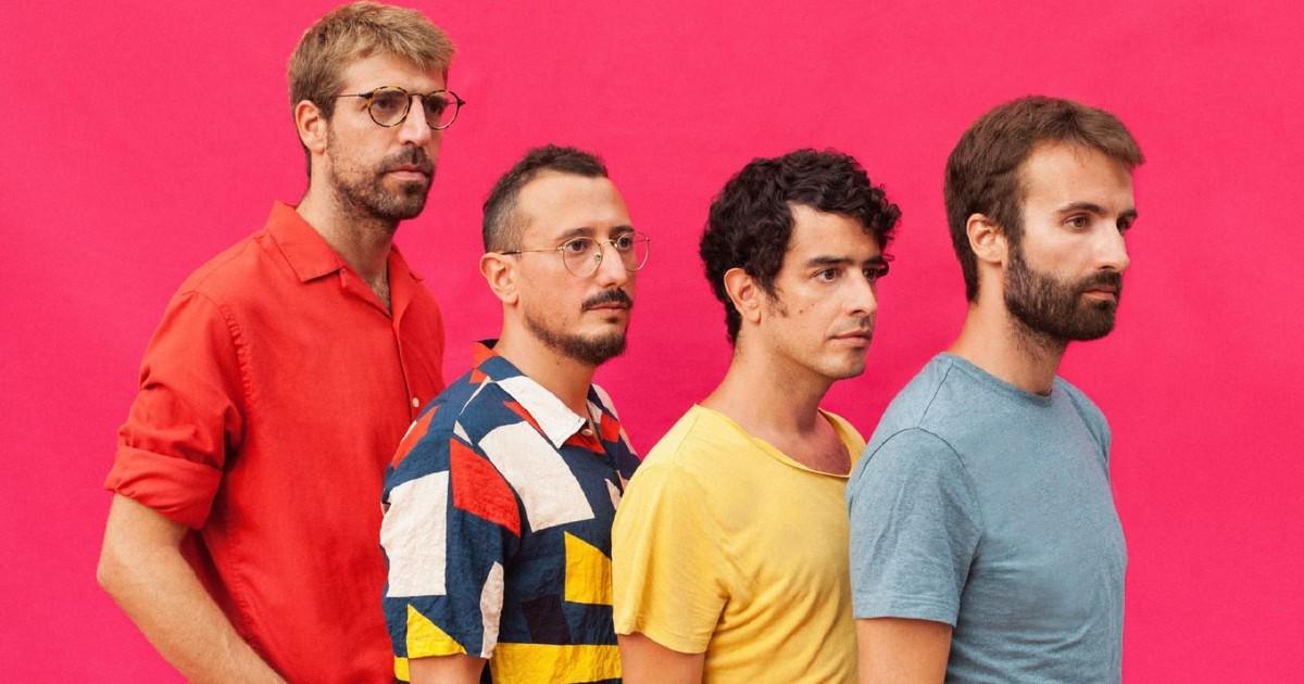 Концерт в Барселоне без соблюдения социальной дистанции