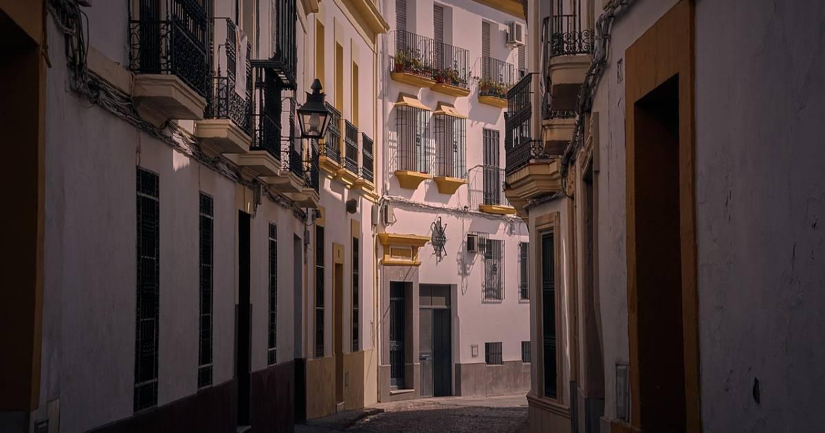 Правительство будет обжаловать ограничение цен на аренду жилья в Каталонии