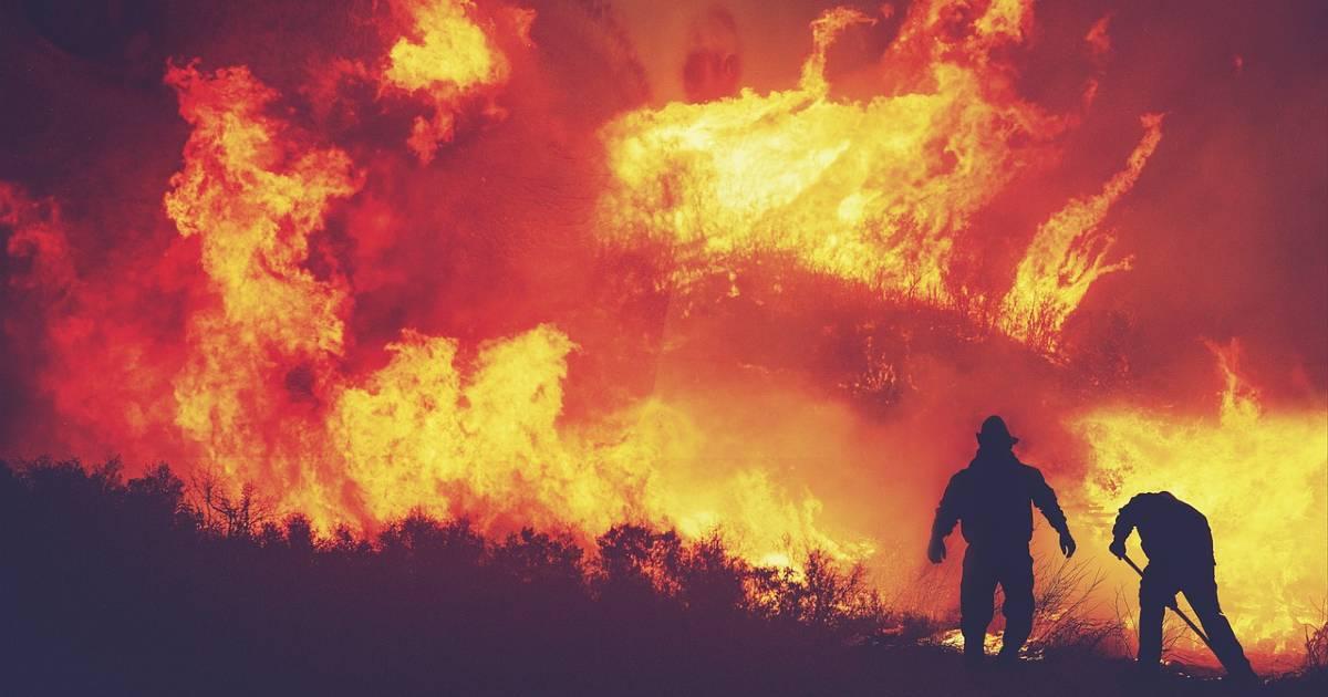 Лесной пожар в Азуэбаре (Кастельон) привел к эвакуации муниципалитета