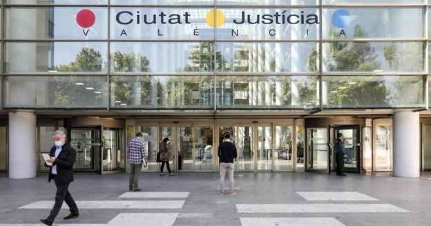 Суд Валенсии признал незаконной комиссию риэлтора с покупателя дома