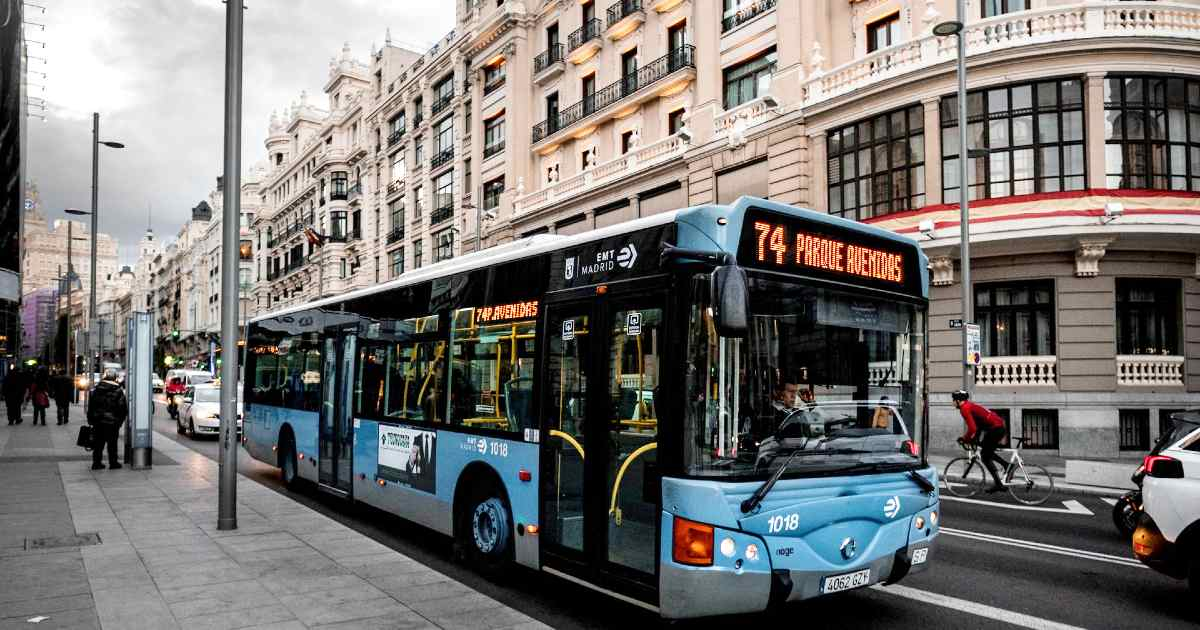 В Мадриде автобусы будут останавливаться по требованию