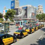 Война между таксистами и Uber привела к поджогу автомобиля