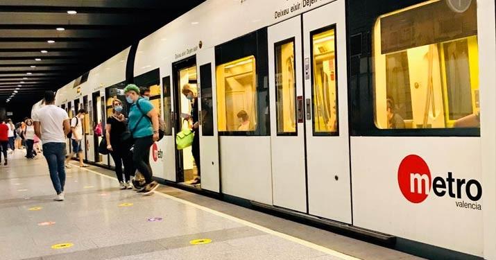 Бесплатный проезд на метро и автобусах в среду в Валенсии