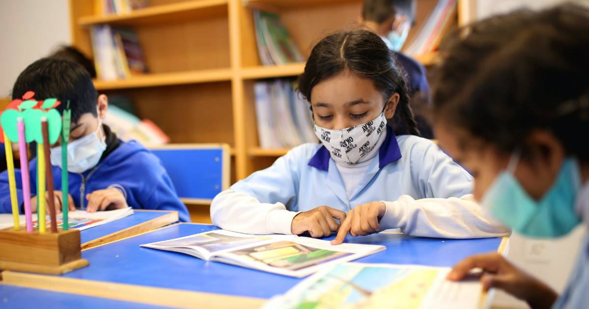 Минздрав и автономии договорились о едином руководстве против covid для школ