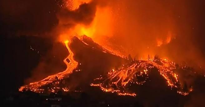 Извержение вулкана на Ла Пальме привлекает на остров туристов